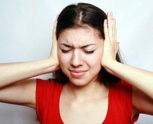 В большинстве случаев тиннитус напоминает звон колокольчиков в ушах