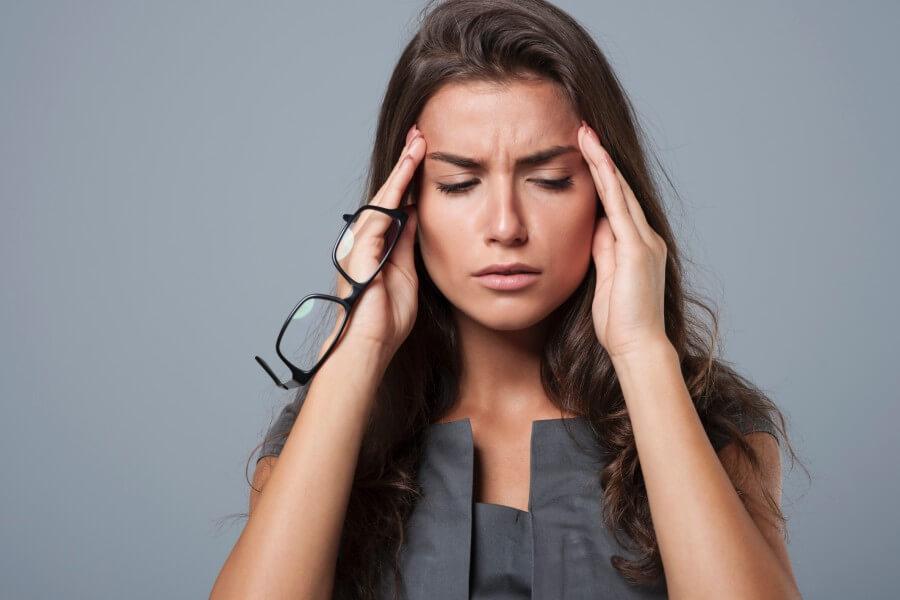 Что делать, если звенит или шумит в ухе?