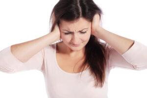 Заложенность уха долго не проходит - повод обратиться к врачу!