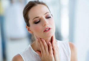 Иногда чувство комка в горле может указывать на серьезное заболевание