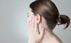 Как почистить уши перекисью водорода: процедура и противопоказания