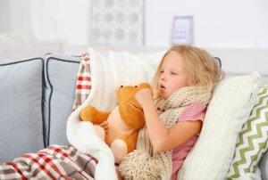 Советы родителям: что делать, если ребенок сильно кашляет