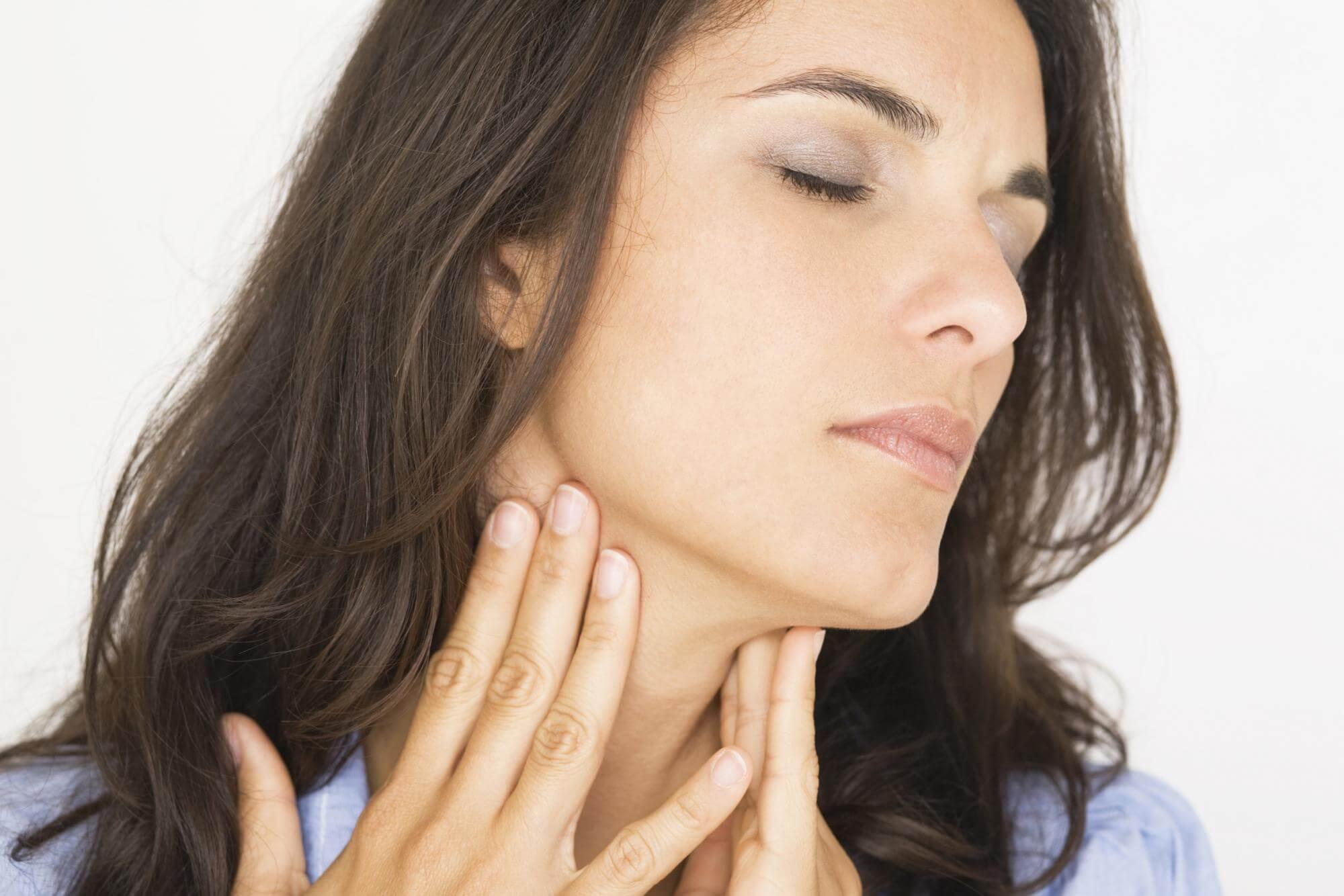 Невроз глотки: основные симптомы недуга
