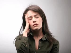 Треск в ушах может быть признаком серьезной патологии, игнорировать которую нельзя!