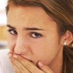 Небный абсцесс – одна из основных причин привкуса гноя в горле