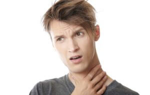 Основные симптомы ларингита и фарингита