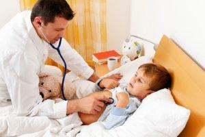 При появлении побочных эффектов прием антибиотика следует отменить!