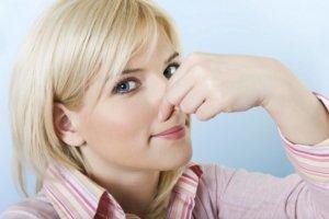 Постоянную заложенность носа могут вызвать бактерии, вирусы или аллергены