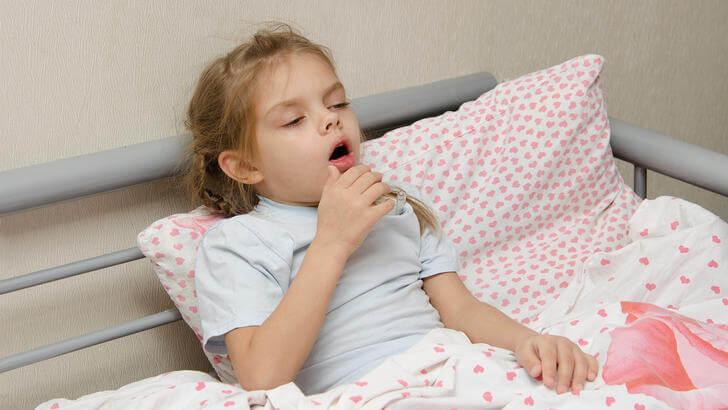 Что вызывает ночные приступы кашля у ребенка?