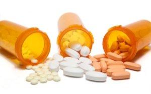 Лекарства назначает врач в зависимости от причины появления звона в ухе!