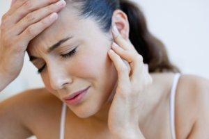Компрессы на ухо можно делать при тубоотите, евстахиите и среднем отите