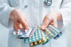 Основу лечения составляют антибактериальные препараты