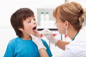 Боль в горле сопровождается тревожными симптомами?- Нужен врач!