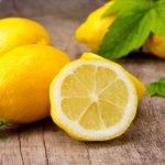 Лимон обладает сильным антисептическим и обезболивающим действием