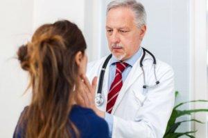 Шейный лимфаденит чаще всего возникает как осложнение другого недуга