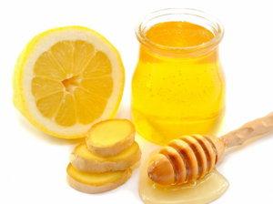 Мед с лимоном – отличное средство от боли в горле