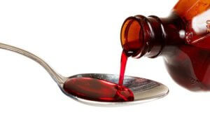 Влажный кашель лечится отхаркивающими препаратами