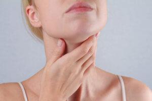 Постнатальный синдром – остаточное стекание слизи после перенесенных заболеваний носоглотки