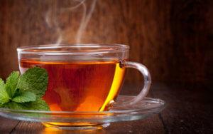 Теплый чай поможет снять приступ кашля