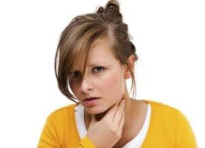 Киста в горле может привести к удушью