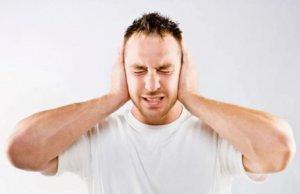 Повысилась температура и появились сильные головные боли? – Нужен врач!
