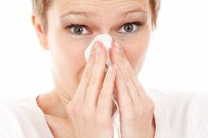Антибиотики используются, если причиной гайморита стала бактериальная инфекция