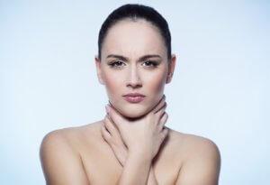 Средство быстро и эффективно снимет сильную боль в горле