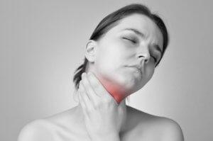 Запущенный тонзиллит может стать причиной болезней бронхов и легких