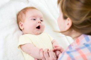 В комнате малыша должен быть чистый и влажный воздух