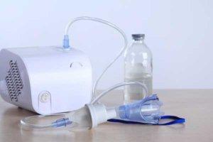 Разводить лекарства дистиллированной водой запрещено!