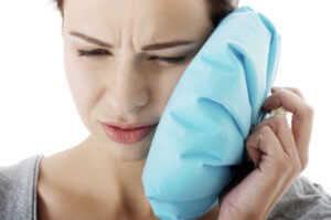 Важно! Прогревание уха можно делать только при отсутствии температуры