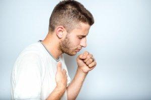 Какие лекарства лучше принимать при сухом кашле?