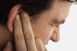 В большинстве случаев отит развивается как осложнение респираторных заболеваний