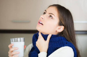 Полоскание горла поможет быстрее вылечить недуг