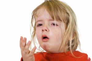 Запущенная инфекция может спуститься в нижние отделы дыхательных путей