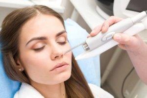 Самым распространенным методом лечения опухоли считается лазерная терапия