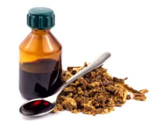 Настойку применяют при влажном кашле, так как она обладает отхаркивающими свойствами