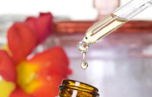 Персиковое масло можно использовать как для закапывания носовых ходов, так и для ингаляций