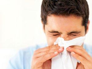 Препарат эффективно устраняет симптомы заложенности носа и насморка
