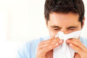 Спрей используют для лечения инфекционного и аллергического ринита