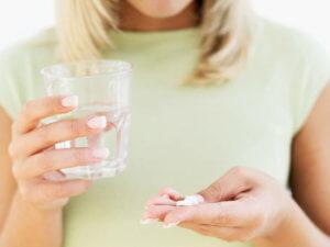 Таблетку нужно удерживать во рту или под языком до полного растворения