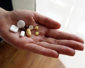 Нельзя принимать сироп одновременно с противокашлевыми препаратами