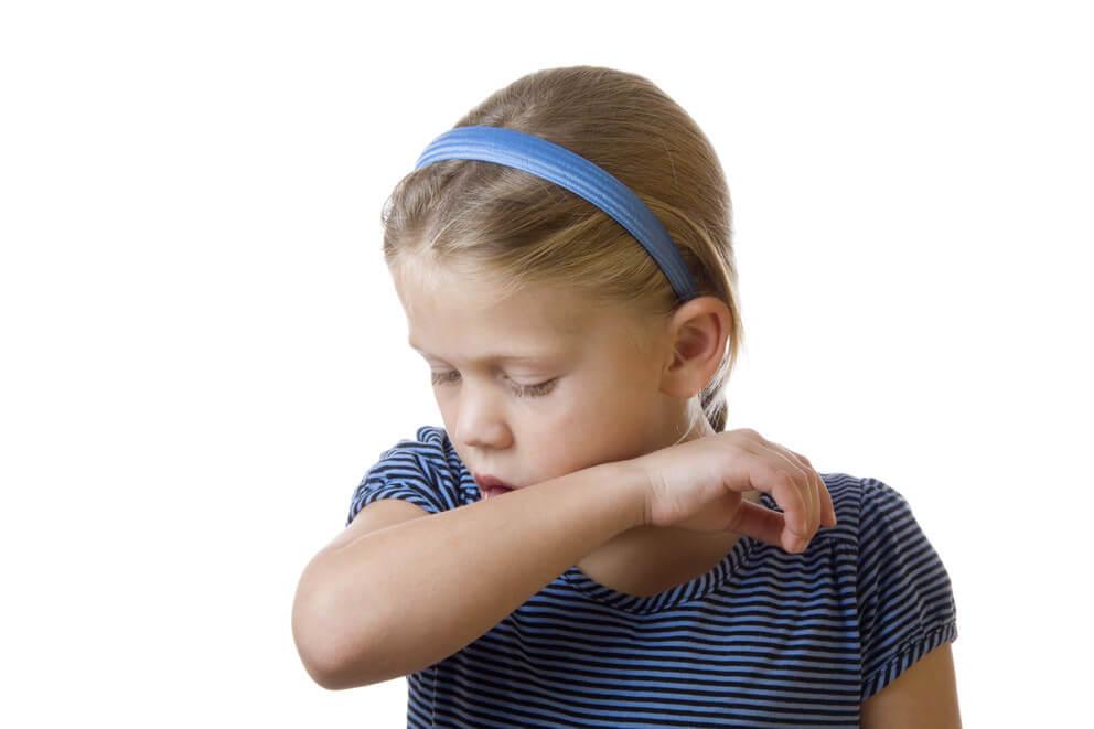 Что можно дать ребенку от кашля, чтобы быстро вылечить?