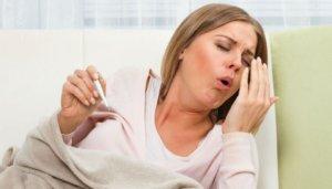 Сильный кашель без температуры может быть спровоцирован аллергической реакцией