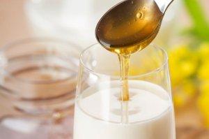 Рецепты на молоке при болях в горле