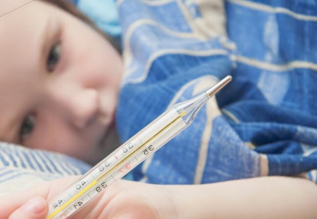 Почему не сбивается температура, когда вызвать врача, какие препараты выбрать