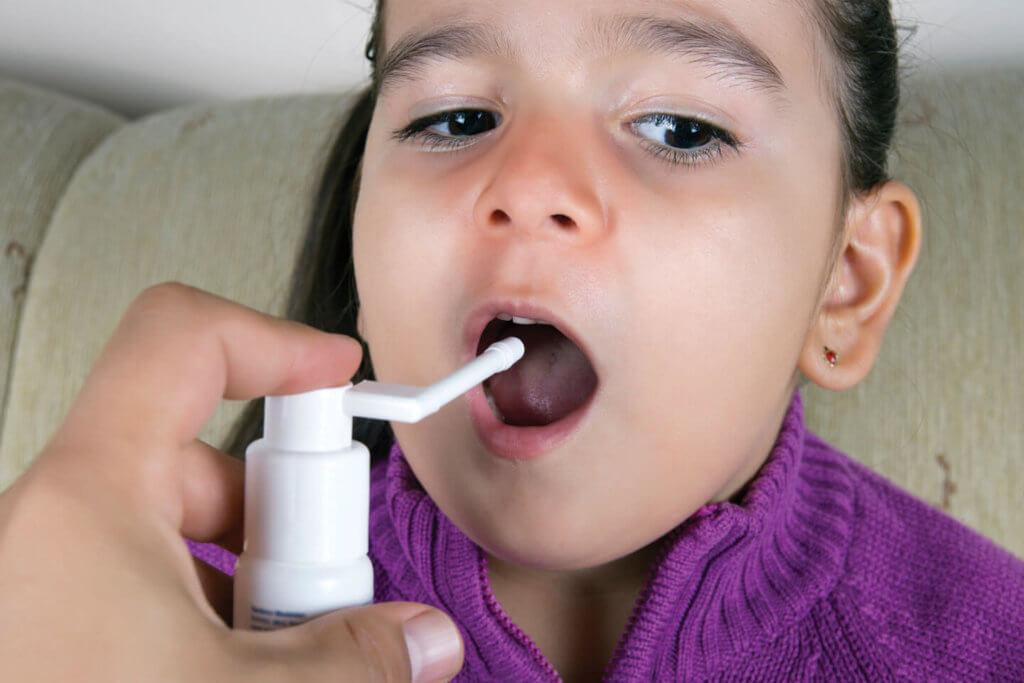 Что выбрать — спрей от кашля для детей, аэрозоль или сироп?