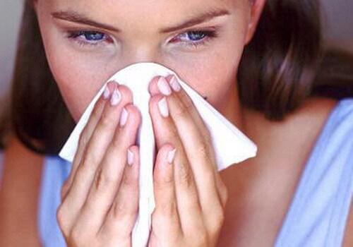 Промыть нос обычной солью