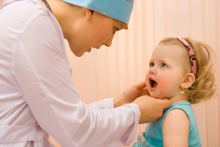 Консервативное лечение аденоидов у детей: симптомы болезни и основные принципы лечения