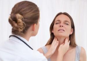 Медицинская помощь при болях в горле
